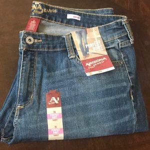 NWT! Arizona Slim Fit Bootcut Jeans Size 15 Short